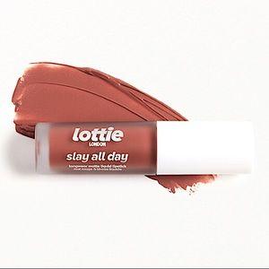 {Lottie} Liquid Lipstick (NWT)